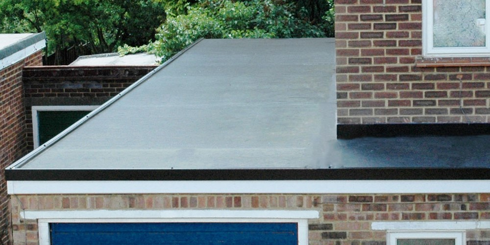 How to Deal with Flat Roof Leaks