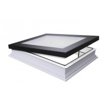 Fakro Flat Roof Window - Flat and Manually Opening - Passive Quadruple Glazing [DMF-D U8]
