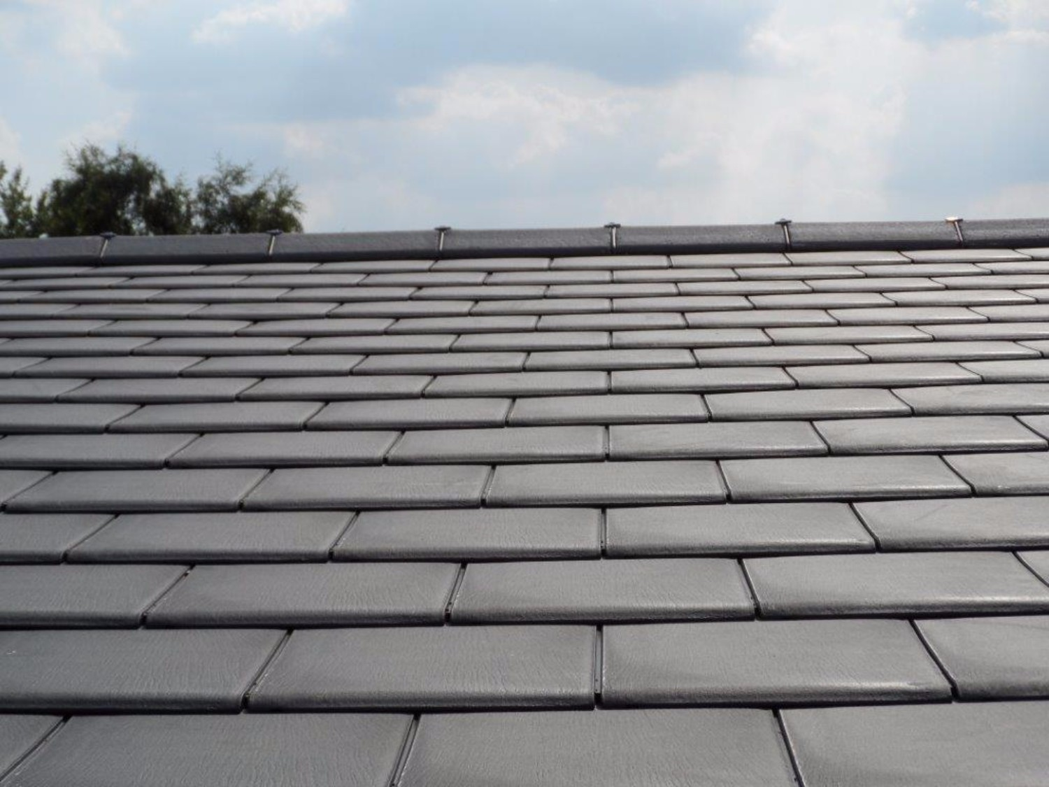 Envirotile Lightweight Synthetic Tile Close Up Roof