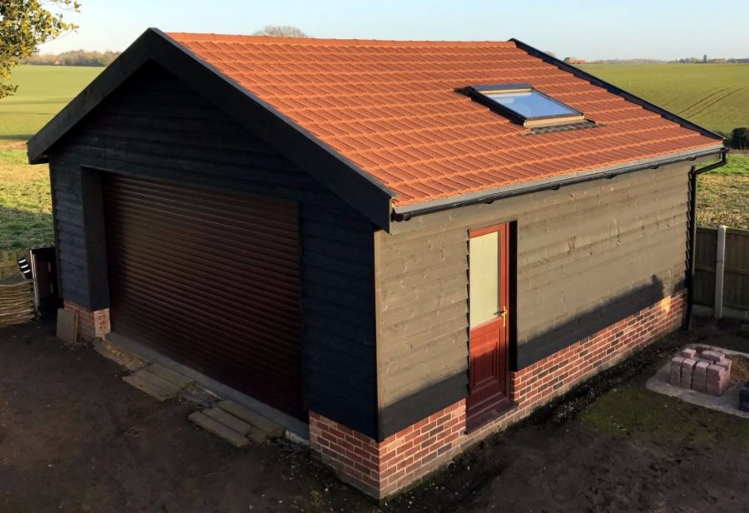 Lightweight Plastic Tiles Garage Roof